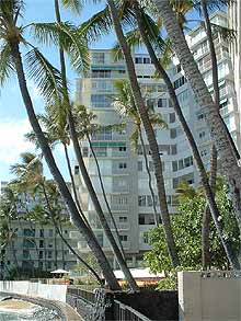 Diamond Head Apartments